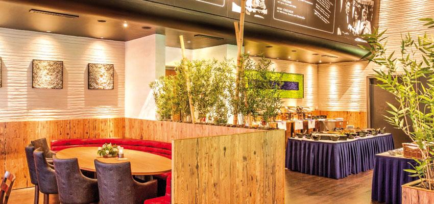 restaurant first floor im admiral filmpalast n rnberg fr hst ckt. Black Bedroom Furniture Sets. Home Design Ideas